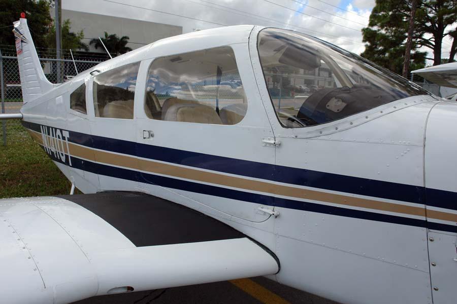 Piper ARROW II   AirplanesUSA